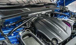 2017年式 Macan 引擎室拉桿