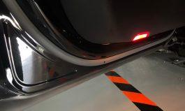 Taycan 車門防護燈