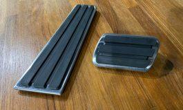 Taycan 鋁合金踏板